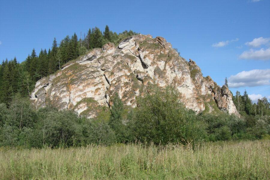 Ботанико-геоморфологический памятник Аликаев камень —главная природная достопримечательность и визитная карточка Красноуфимского района