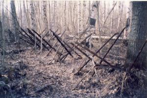 Остатки укрепления так и держат свой ушедший фронт (1)